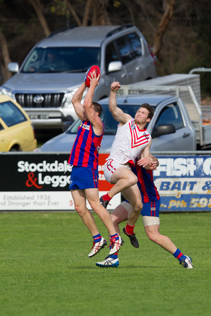 Rye's Leigh Morse marks in front of his Red Hill opponent at RJ Rowley Reserve, Rye. 7 May 2016.
